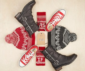 accessories, christmas, and delias image