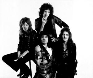 Freddie Mercury, Queen, and mick rock image