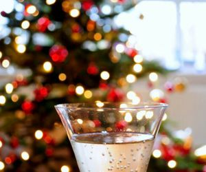 champagne, christmas, and drink image