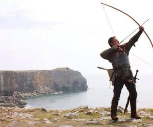 robin hood and russell crowe movie image