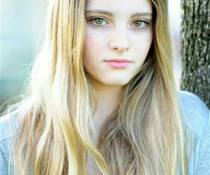 willow shields, prim, and blonde image