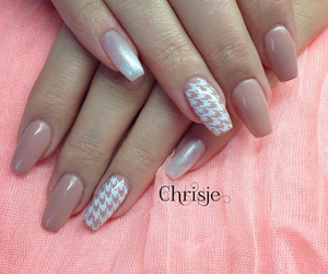 houndstooth, nailcare, and nailgame image