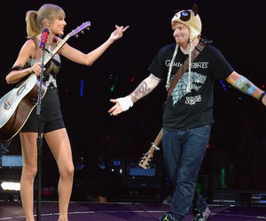 Taylor Swift, ed sheeran, and red tour image