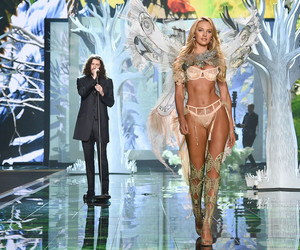 candice swanepoel and hozier image