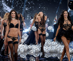Adriana Lima, fashion, and Victoria's Secret image