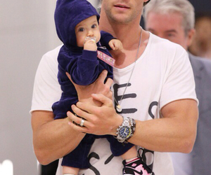 baby, chris hemsworth, and dad image