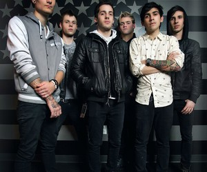 crown the empire image