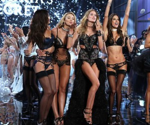 Victoria's Secret, angel, and alessandra ambrosio image