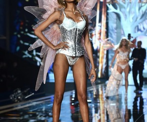 Victoria's Secret, angel, and fashion show image