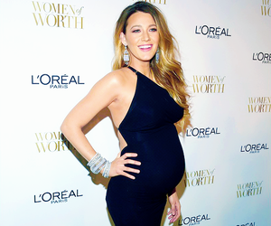 blake lively and pregnant image