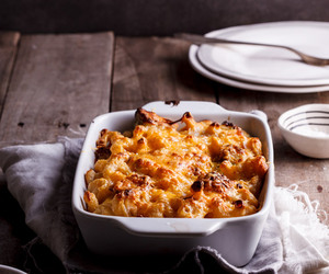 bacon, cheese, and mac and cheese image