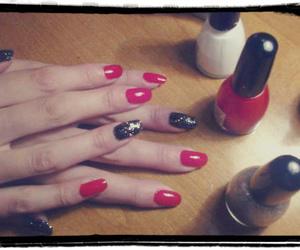 black, nails, and nailart image