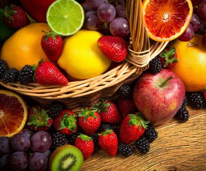 citron, fraise, and FRUiTS image