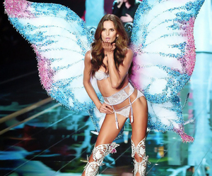Victoria's Secret, angel, and Izabel Goulart image