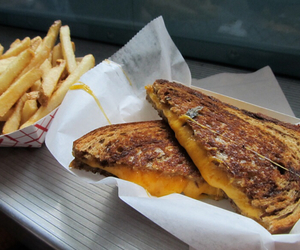 bread and fries image