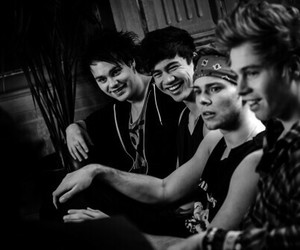 ashton, 5 second of summer, and band image