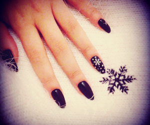 black, snowflake, and pointy image