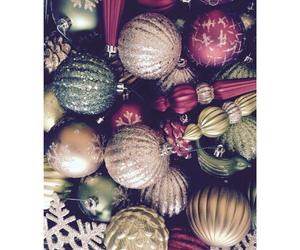 christmas, decorating, and grunge image