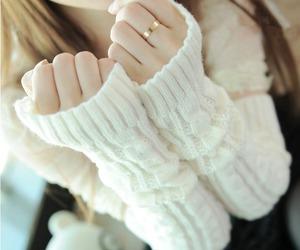 fingerless gloves, ivory gloves, and ivory fingerless gloves image