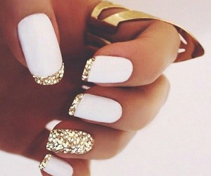 nails art gold image