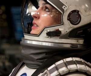 ann hathaway and interstellar image