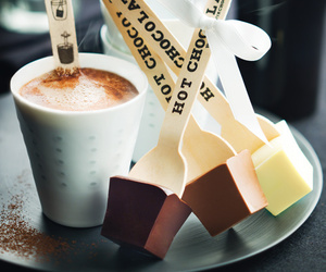 hot chocolat and hot ​chocolate image