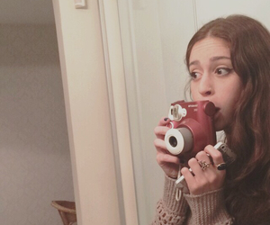 camera, pale, and girl image