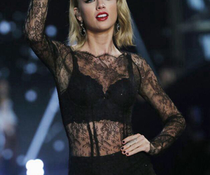 Taylor Swift, style, and victoria secret image