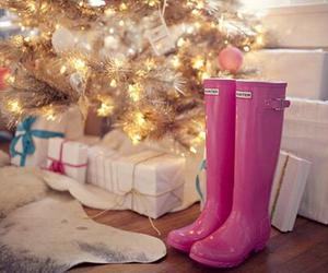 pink, christmas, and hunter image