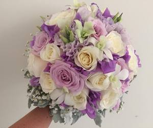 flowers, posy, and wedding flowers image
