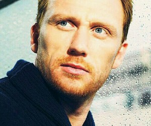 grey's anatomy, blue eyes, and kevin mckidd image