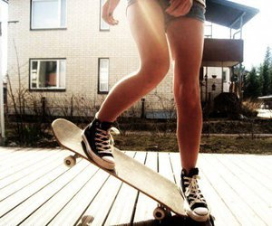 all star, chicas, and converse image