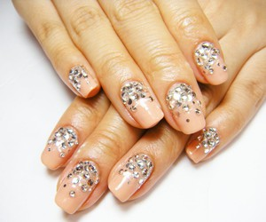 beige, glitter, and nail image