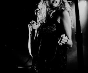 momsen, taylor, and the pretty reckless image