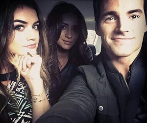 pretty little liars, lucy hale, and ian harding image