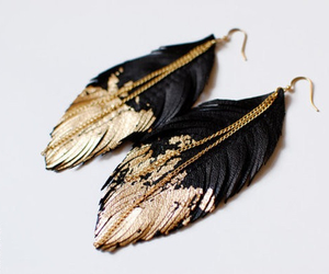 birds, chain, and earrings image