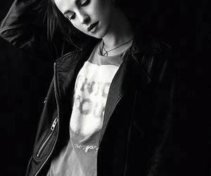 hayley williams, paramore, and black and white image