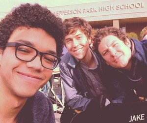 paper towns, nat wolff, and ciudades de papel image