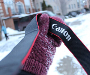 canon, camera, and gloves image