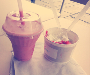 fraise, smoothie, and glace image
