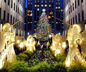 new york, christmas atmosphere, and lots of light image