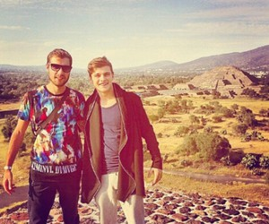 martin garrix and mark loonen image