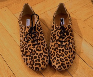 style and leopard shoes image