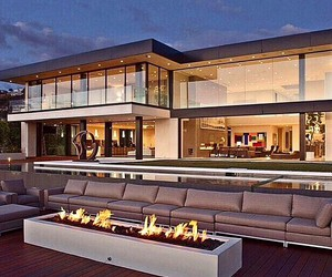 house and goals image