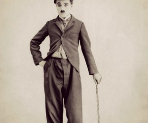 blanco y negro, charles chaplin, and vintage image