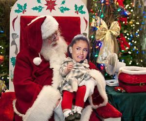 ariana grande, funny, and christmas image