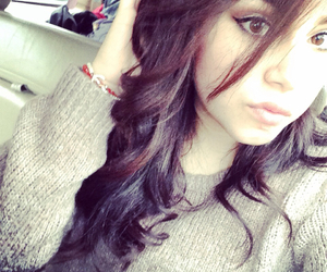 brunette, hairposts, and curls image