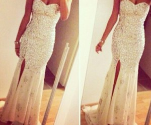dress, beauty, and body image