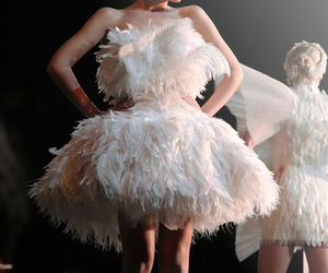 black and white, feathers, and girl image