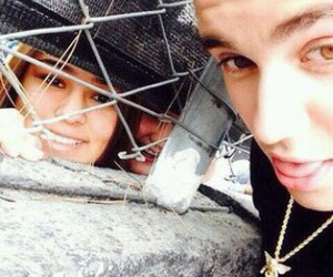 fan and justin bieber image